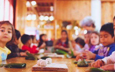 """Kindergarten students cooked delicious """"tamalitos de chipilín"""""""