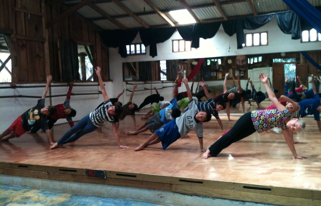 Dance-Class-at-La-Cambalacha